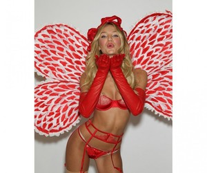 candice swanepoel and fitting image