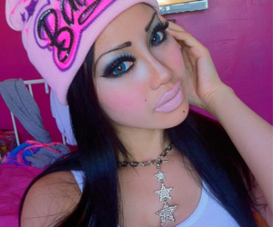 beanie, makeup, and ybsh image