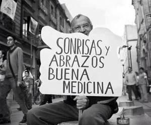 smile, abrazos, and medicina image