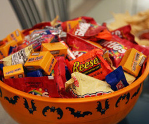 candy, chocolate, and Halloween image