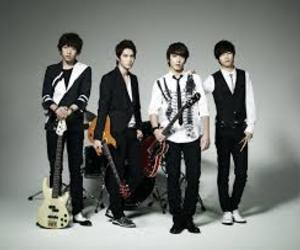 Hot, cute, and cnblue image