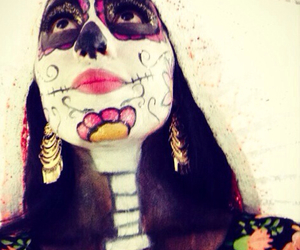 catrina, flores, and maquillaje image