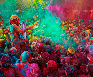 colors and india image