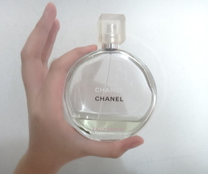 chanel, pale, and perfume image