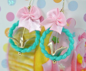 bows, gold, and turquoise image