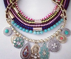 colors, details, and jewelry image