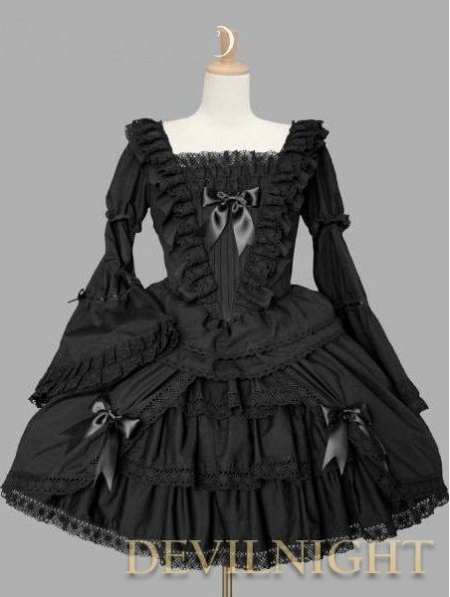 black gothic lolita dress and sweet gothic lolita dress image