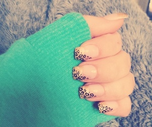 nail art, onça, and love image