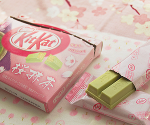 food, kitkat, and kit kat image