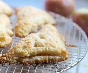 Apple Pie, turnover, and puff pastry image