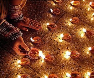 candle and india image