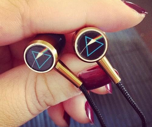 earphone, Pink Floyd, and rock n roll image