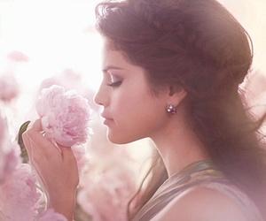 selena gomez, flowers, and selena image