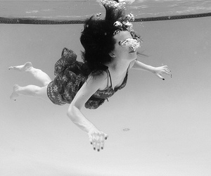 black and white, water, and girl image
