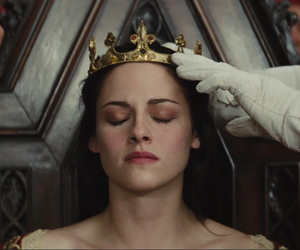 Queen, snow white, and kristen stewart image