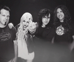 band, Taylor Momsen, and black and white image