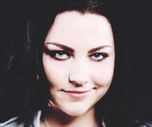 evanescence and emy lee image