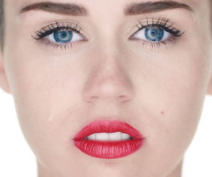 crying, wrecking ball, and pretty image