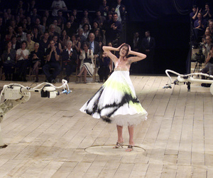 Alexander McQueen, Shalom Harlow, and model image