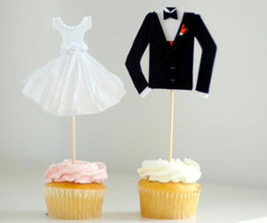 food, love, and cup cakes image