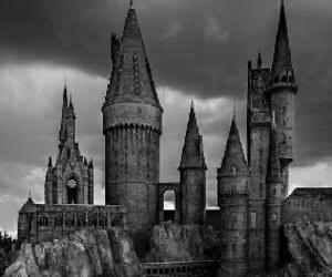 castle, hogwarts, and harry potter image