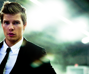Hunter Parrish, guy, and Hot image