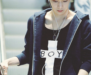 lay and exo-m image