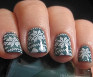 nails, winter, and green image