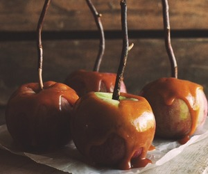 apple, autumn, and caramel image