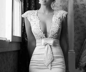 beautiful, black and white, and woman image