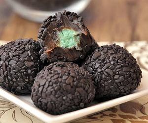 brigadeiro, truffles, and chocolate image