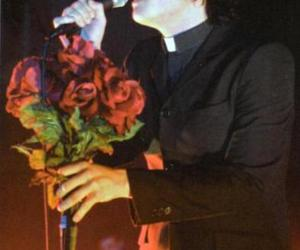 gerard way and roses image