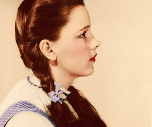 judy garland, dorothy, and The wizard of OZ image