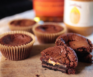 breakfast, chocolate, and cupcakes image