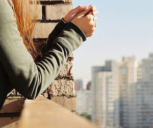 girl, city, and hands image