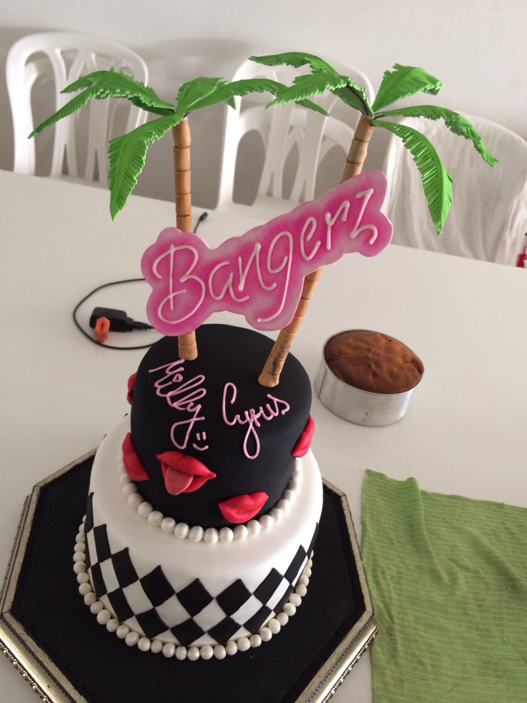 Bangerz Cake Discovered By Dope On We Heart It