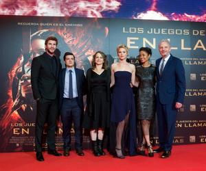 Jennifer Lawrence and catching fire image