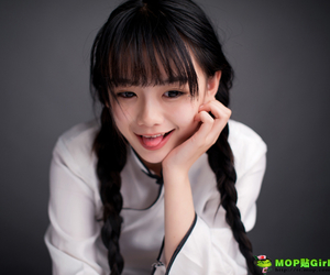 asian girl and 羅小伊 image
