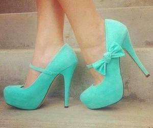 bow, green, and high-heels image
