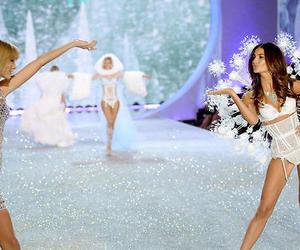 Taylor Swift, Victoria's Secret, and model image