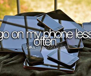 phone and bucket list image