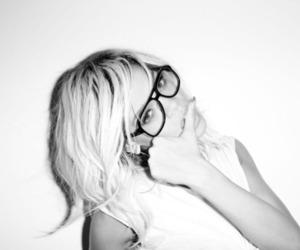 rihanna, sexy, and glasses image