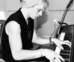 ross lynch, r5, and piano image