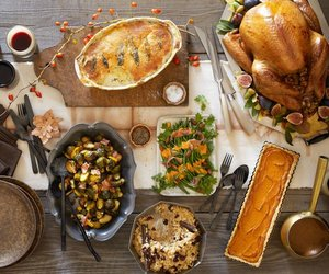 thanksgiving table, thanksgiving decor, and thanksgiving recipes image