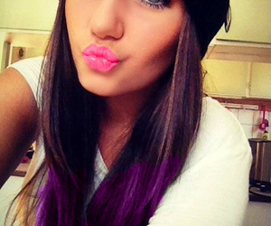 beanie, lipstick, and long hair image
