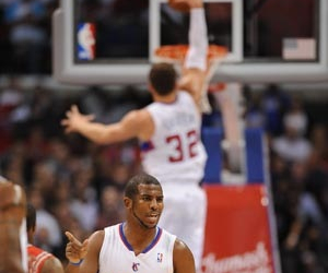 dunk, griffin, and NBA image