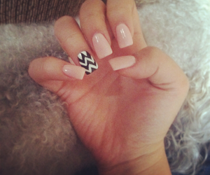 nails, chevron, and pink image