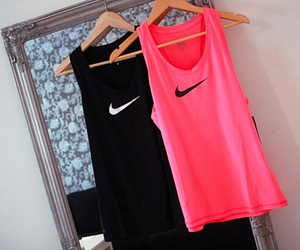 pink and black, healthy lifestyle, and abs girl image