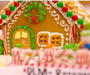 christmas and gingerbread image