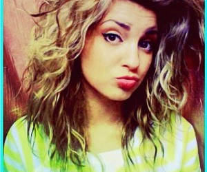 tori kelly and perfect image